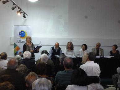 """Presentación del libro"""" Dieste, la iglesia y su gente """" de Mireya Bracco y Omar Porta."""