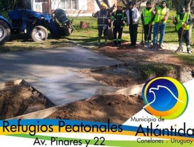 Refugio peatonal en Av. Pinares esq. 22. Atlántida
