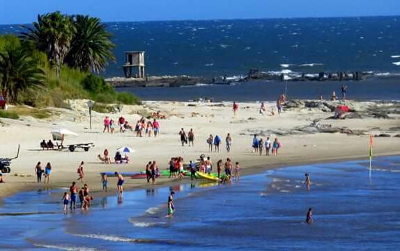 Visa de Playa Mansa e Islote de la Sirena